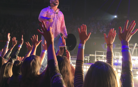 Garth Brooks comes to Lincoln: Last tour fires up fans
