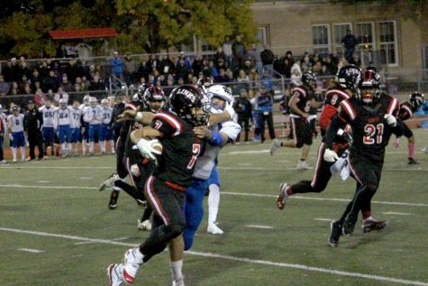 Another Lincoln High, First Down! Links defeat Kearney in a heated game