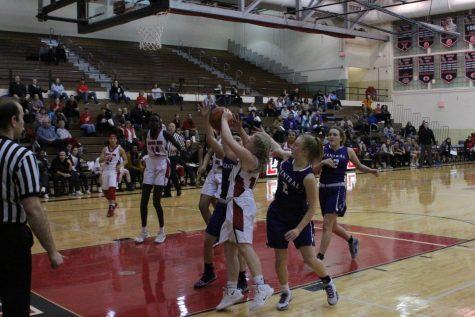 Links varsity girls beat Omaha Central 52-42
