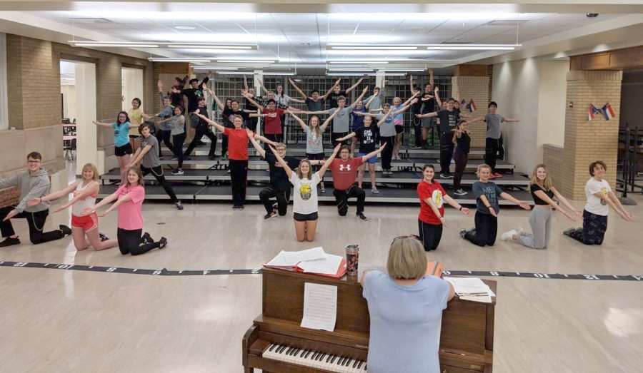 Can You Feel Momentum Shifting? LHS Show Choir premieres this Thursday!
