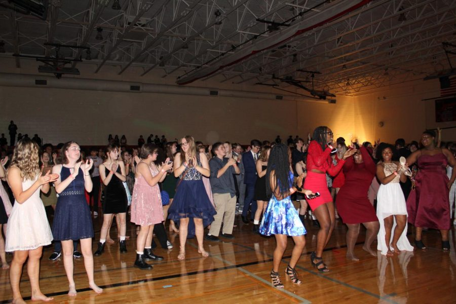 Students+dance+along+to+the+Cha-Cha+Slide+at+the+Homecoming+Dance+on+Friday%2C+October+11%2C+2019.+Photo+by+Kianna+Gibson
